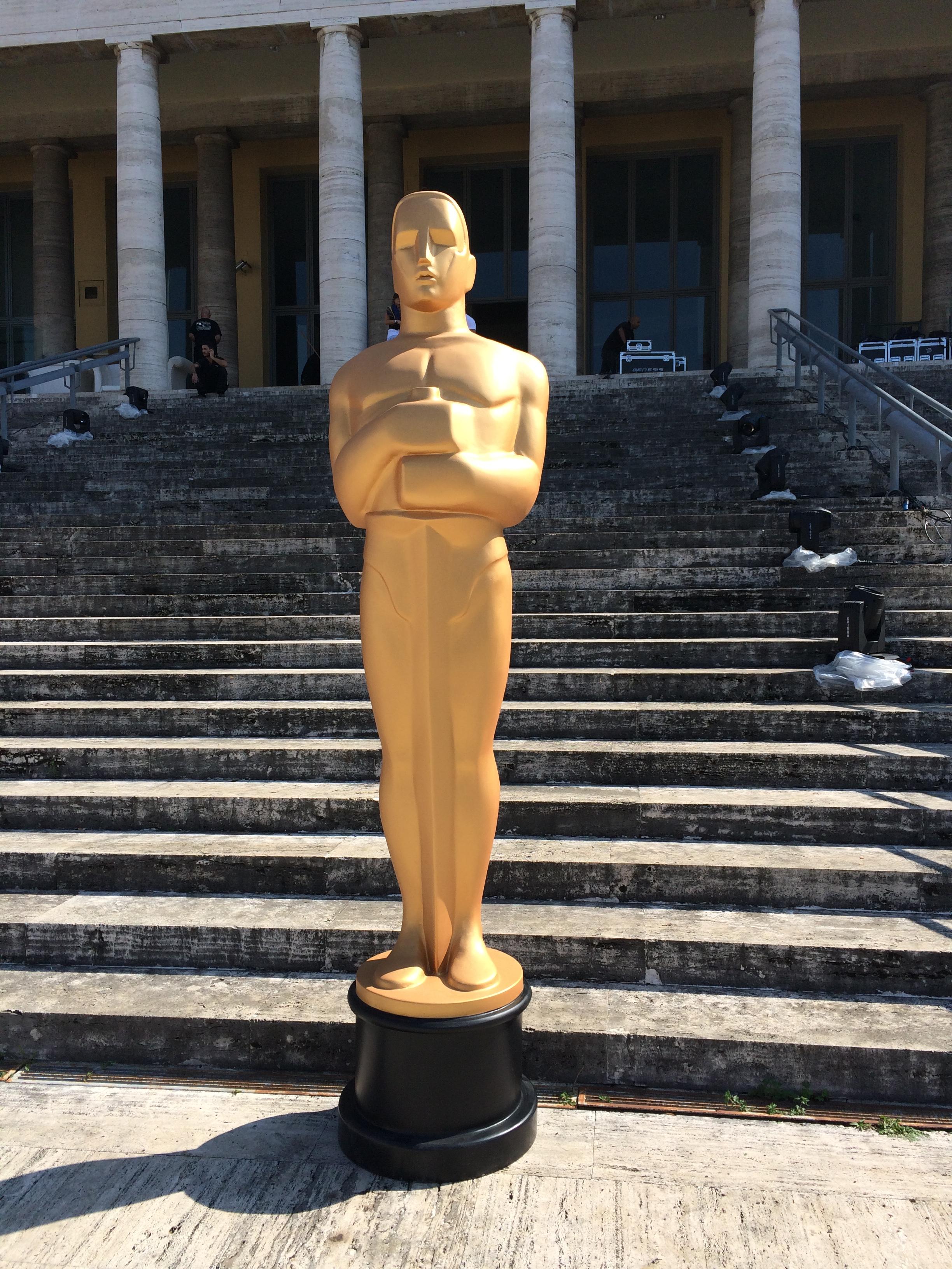 Statua degli oscar 3d noleggio scenografie for Scenografie in polistirolo