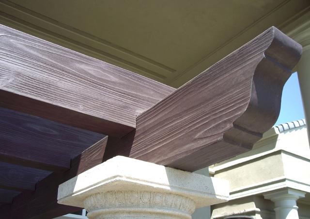 Travi in finto legno edilizia scenografie polistirolo